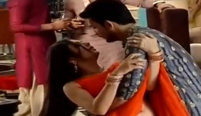 PMHMD: Raghav saves Naina from wardrobe malfunction